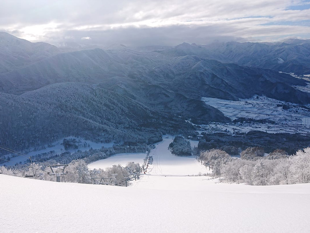 よませ温泉スキー場のゲレンデ写真