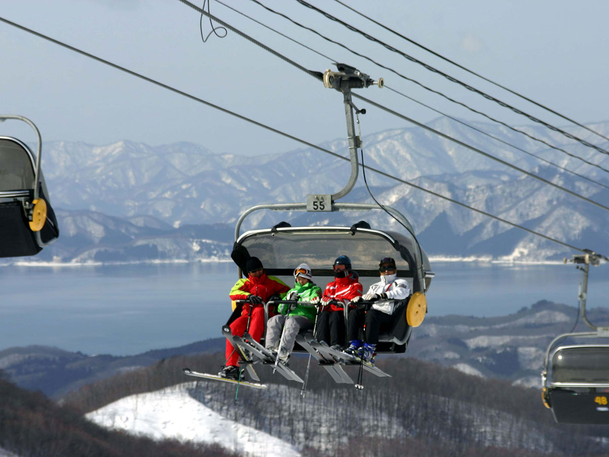 たざわ湖スキー場のゲレンデ写真